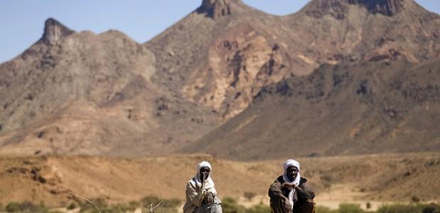 250 ألف نازح  يواجهون صعوبات عديدة و هم يحاولون العودة الى اراضيهم في دارفور، بعد حرب مريرة.