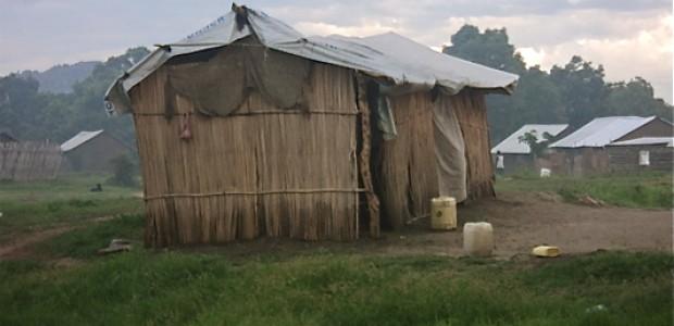 An improvised returnee shelter in Juba (17.05.2012).