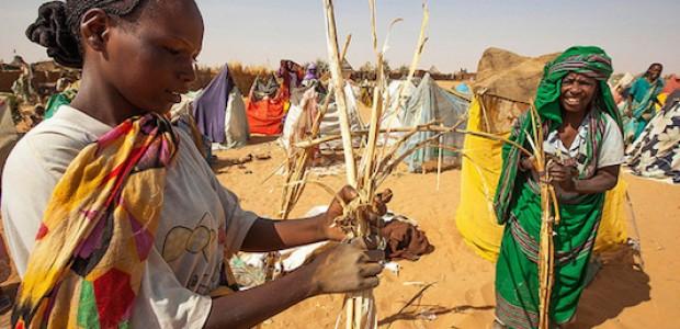 نساء في معسكر زمزم، شمال دارفور، 18 فبراير، 2015.