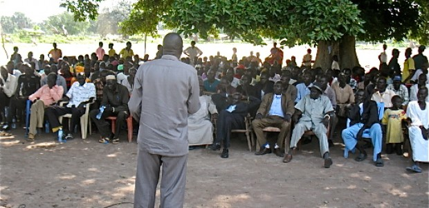 Mading Akol Anyar addressing his people in Cueicok Payam of Rumbek East County in July.