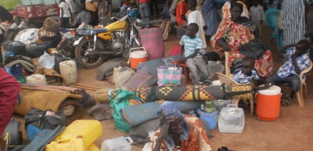 Returnees with their luggage upon their arrival in Aweil, September 6.