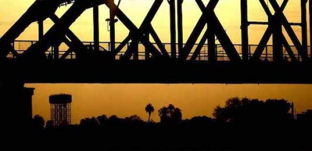عاصمة السودان، الخرطوم، أثناء غروب الشمس، مايو 2011.