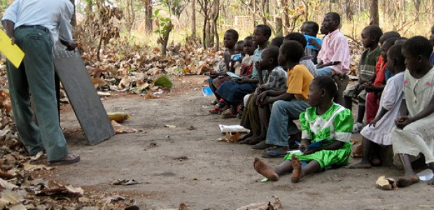 Classes taking place under in tree in Gynapoli Primary School, Yei County, South Sudan, February 13, 2007.