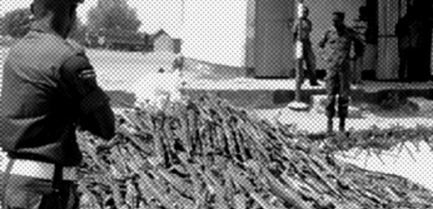 أسلحة تم جمعها في بور، ولاية جونقلي تاسع مايو، 2013.