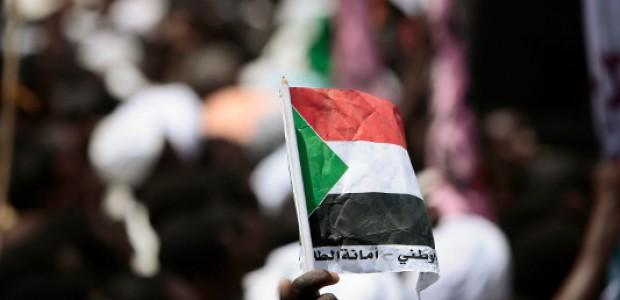 هل يصل قطار التغيير إلى السودان؟