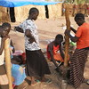 Displaced children from Southern Kordofan prepare food in Yida refugee camp (13.05.2012).