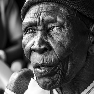An old woman in South Sudan's capital Juba, July 2016. (photo: The Niles | Bullen Chol)