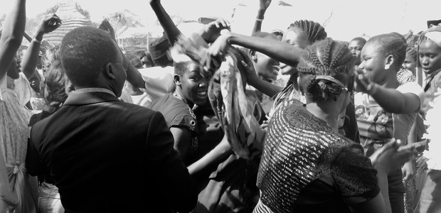 Relatives of a schoolgirl soon to be married celebrate after receiving cattle as dowery in Aweil on February 20, 2016. (photo: The Niles | Abraham Agoth)