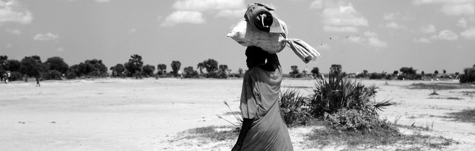 A woman displaced by violent conflict in Jonglei State.  (الصورة: The Niles | Waakhe Simon Wudu)